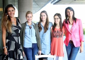 15 Francisca Ayala, Eliana Albasetti, Rocío Suarez, Paulie Olguin y Angelica Yañez