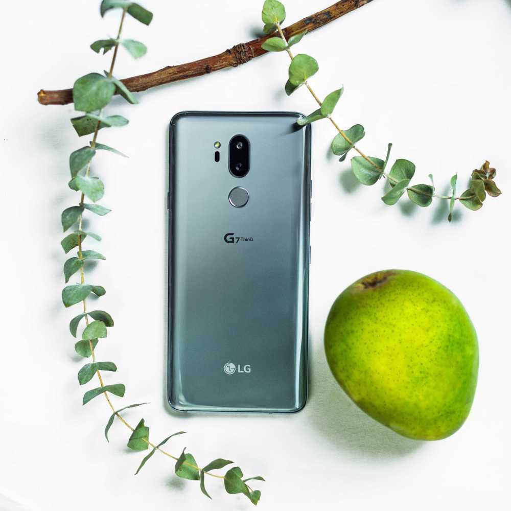 LG G7 Beauty Shot 03